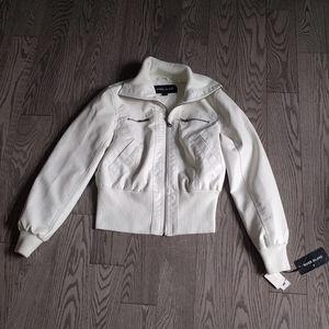 🌸🍀 Beautiful white jacket by River Island 🌸🍀🍀